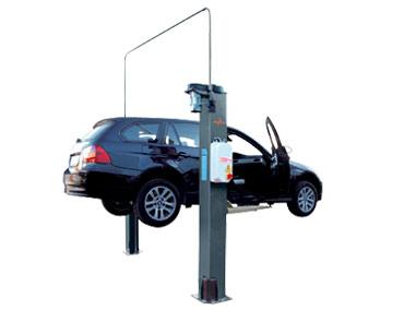 2 Säulen Hebebühne bis 3.5 Tonnen als Parkiersystem in einer Werkstatt